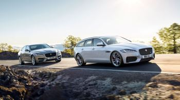 Jaguar XF 2.0d (180) Chequered Flag SPECIAL EDITIONS image 2 thumbnail