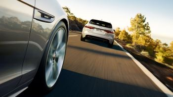 Jaguar XF 2.0d (180) Chequered Flag SPECIAL EDITIONS image 3 thumbnail