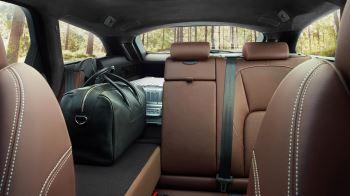Jaguar XF 2.0d (180) R-Sport AWD image 9 thumbnail