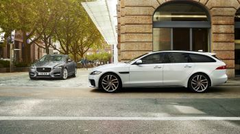 Jaguar XF 2.0d (180) Chequered Flag SPECIAL EDITIONS image 10 thumbnail