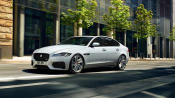 Jaguar XF 2.0d (180) Chequered Flag SPECIAL EDITIONS image 11 thumbnail