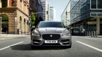 Jaguar XF 2.0d (180) Chequered Flag SPECIAL EDITIONS image 14 thumbnail