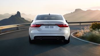Jaguar XF 2.0d (180) Chequered Flag SPECIAL EDITIONS image 15 thumbnail