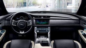 Jaguar XF 2.0d (180) R-Sport AWD image 17 thumbnail