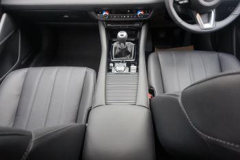 Mazda 6 2.2d SE-L Lux Nav+ 4dr image 13 thumbnail