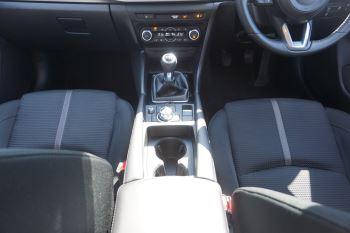Mazda 3 2.2d SE-L Nav 5dr image 11 thumbnail