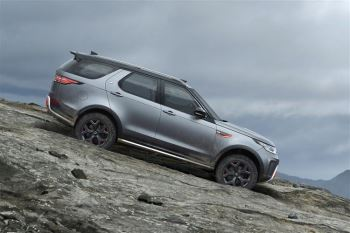 Land Rover Discovery 3.0 SDV6 HSE image 13 thumbnail