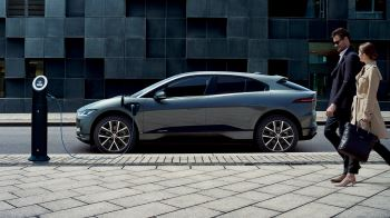 Jaguar I-PACE 90kWh EV400 First Edition SPECIAL EDITION image 8 thumbnail