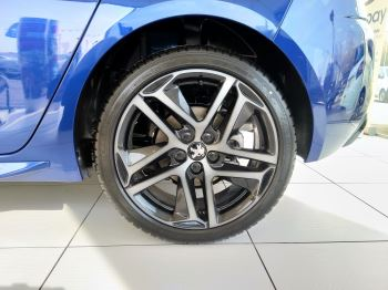 Peugeot 308 1.5 BlueHDi 130 GT Line image 3 thumbnail