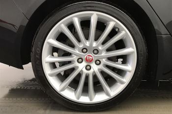 Jaguar XE 2.0d [240] Portfolio AWD image 8 thumbnail