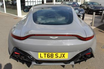 Aston Martin V8 Vantage Coupe 2dr ZF 8 Speed image 22 thumbnail
