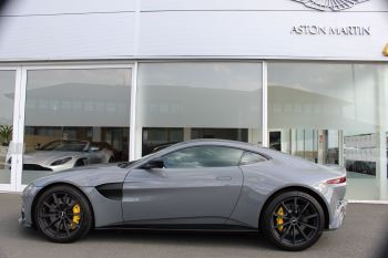 Aston Martin V8 Vantage Coupe 2dr ZF 8 Speed image 8 thumbnail