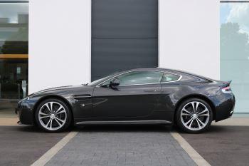 Aston Martin V12 Vantage 2dr image 3 thumbnail