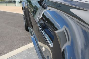 Aston Martin V12 Vantage 2dr image 10 thumbnail
