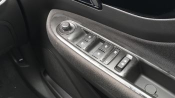 Vauxhall Mokka X 1.4T ecoTEC Active 5dr image 14 thumbnail