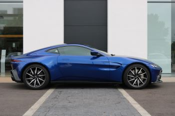 Aston Martin V8 Vantage Coupe 2dr ZF 8 Speed image 4 thumbnail