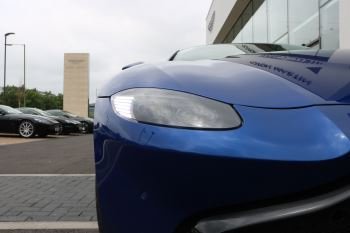 Aston Martin V8 Vantage Coupe 2dr ZF 8 Speed image 20 thumbnail