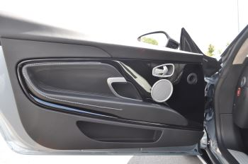 Aston Martin DB11 V8 Touchtronic image 14 thumbnail