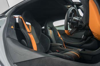 McLaren 570S Coupe V8 2dr SSG Auto Coupe image 32 thumbnail