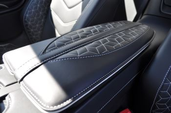Aston Martin DBS V12 Superleggera 2dr Touchtronic image 33 thumbnail