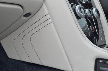 Aston Martin V8 Vantage S Coupe S 2dr Sportshift image 40 thumbnail