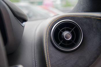 McLaren 570GT V8 2dr SSG Auto Coupe image 32 thumbnail