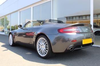 Aston Martin V8 Vantage Roadster 2dr [420] image 18 thumbnail
