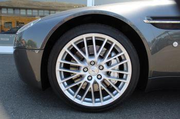 Aston Martin V8 Vantage Roadster 2dr [420] image 22 thumbnail