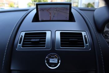 Aston Martin V8 Vantage Roadster 2dr [420] image 15 thumbnail