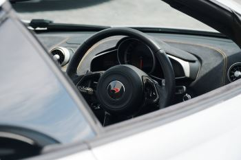 McLaren 650S Spider V8 2dr SSG Auto Spider image 7 thumbnail