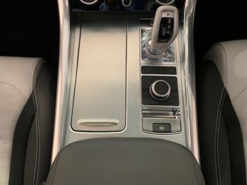 Land Rover Range Rover Sport 5.0 V8 S/C 575 SVR - Sliding Panoramic Roof - Privacy Glass - Head Up Display -  image 14 thumbnail