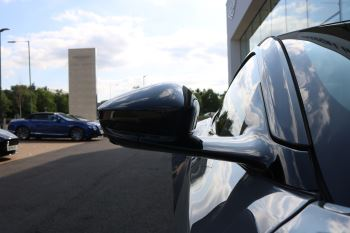 Aston Martin DB11 V12 AMR 2dr Touchtronic image 7 thumbnail