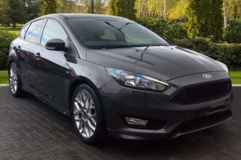 Ford Focus 1.0 EcoBoost 125 ST-Line 5dr image 1 thumbnail