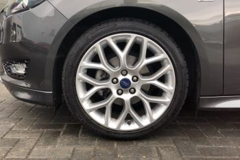 Ford Focus 1.0 EcoBoost 125 ST-Line 5dr image 8 thumbnail