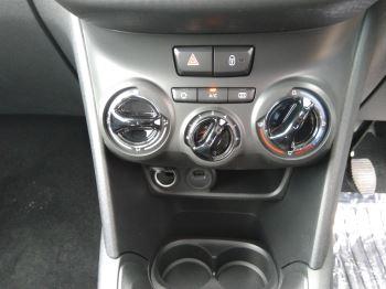 Peugeot 208 1.2 PureTech 82 Signature [Start Stop] image 6 thumbnail