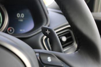 Aston Martin DB11 V8 2dr Touchtronic image 19 thumbnail