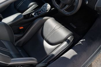 McLaren 570GT V8 2dr SSG Auto Coupe image 28 thumbnail