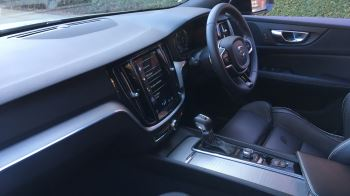 Volvo V60 2.0 D4 [190] R DESIGN 5dr - Volvo on Call, DAB Radio, SAT NAV, Park Assist image 3 thumbnail
