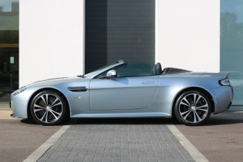 Aston Martin V12 Vantage S Roadster S 2dr Sportshift III image 2 thumbnail