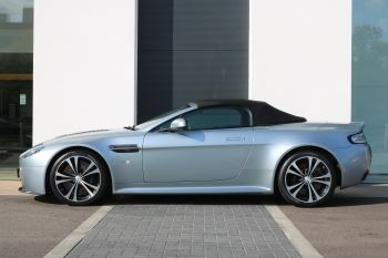Aston Martin V12 Vantage S Roadster S 2dr Sportshift III image 3 thumbnail