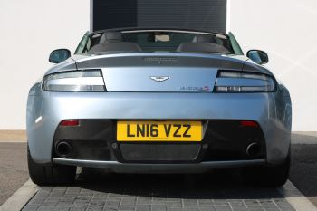 Aston Martin V12 Vantage S Roadster S 2dr Sportshift III image 4 thumbnail