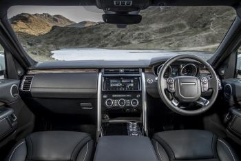 Land Rover Discovery 3.0 SDV6 Landmark Edition SPECIAL EDITIONS image 8 thumbnail