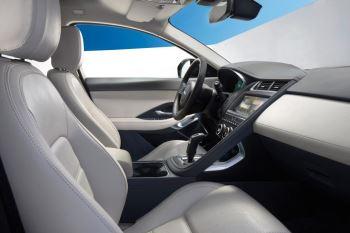 Jaguar E-PACE 2.0d R-Dynamic SE image 11 thumbnail