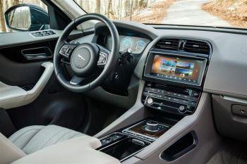 Jaguar F-PACE 5.0 Supercharged V8 SVR AWD image 7 thumbnail