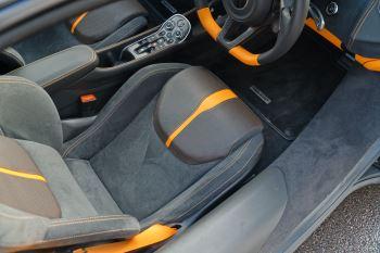 McLaren 570GT Coupe  image 23 thumbnail