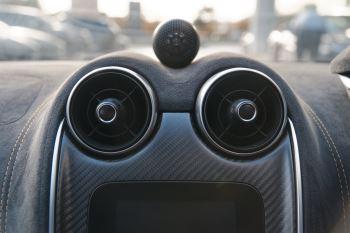 McLaren 570GT Coupe  image 34 thumbnail