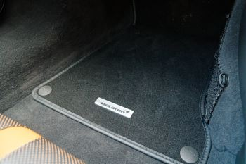 McLaren 570GT Coupe  image 46 thumbnail