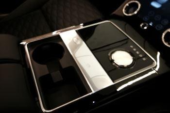 Land Rover Range Rover Velar 5.0 P550 SVAutobiography Dynamic Edition image 13 thumbnail