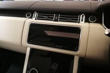 Land Rover Range Rover 4.4 SDV8biography image 8 thumbnail