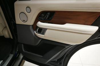 Land Rover Range Rover 4.4 SDV8biography image 17 thumbnail